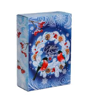 """Новогодний подарок """"Снегири"""" ассорти конфеты 500 гр. и чай 50 гр."""